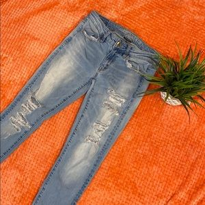 American Eagle Skinny Ripped Jeans  Size 2 Regular